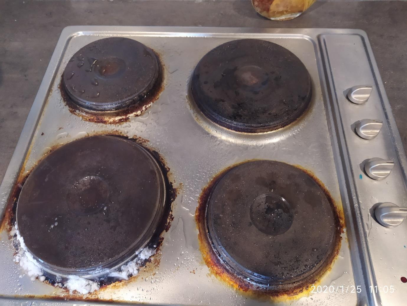 Atom Cleaners cooker hob_before
